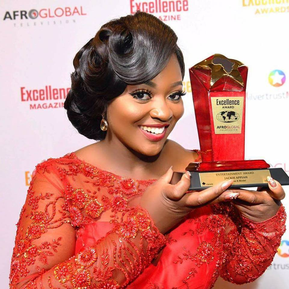 Photo of Jackie Appiah wins 2017 Afroglobal TV Award of Excellence in Entertainment